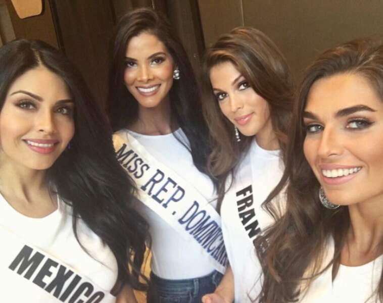 La voilà en charmante compagnie avec Miss Argentine, Mexique et République Domicaine