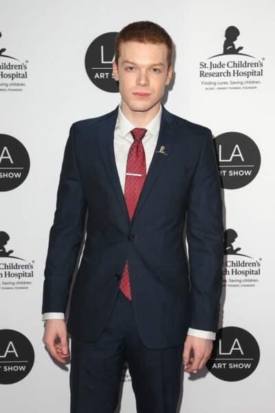 Cameron Monaghan a l'air beaucoup plus sérieux dans la vie que le dérangé Jerome dans Gotham