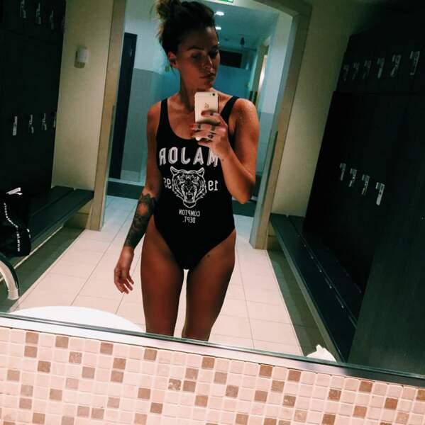 Mais ce que Caroline Receveur adore plus que tout, c'est se montrer en maillot de bain...
