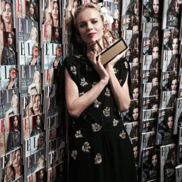 Elle a d'ailleurs reçu le Beauty Icon Awards ce soir-là, qui rend hommage à sa carrière.