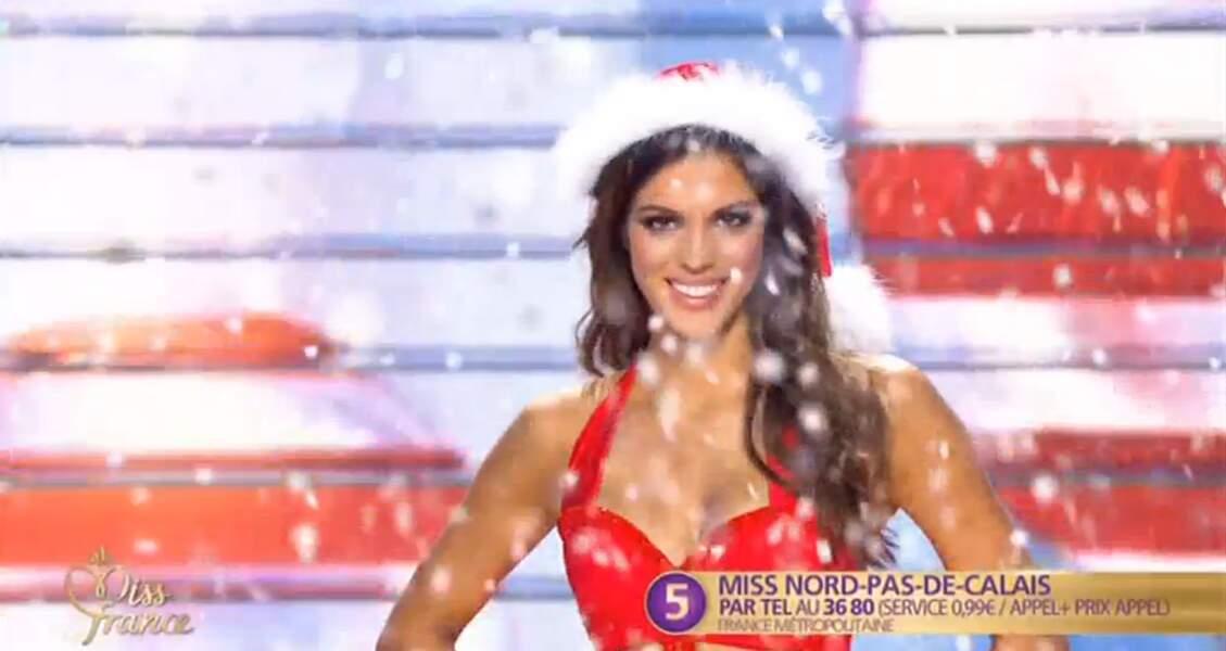 Ce maillot de bain Noël très sexy a permis de dévoiler ses formes superbes !