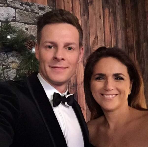 Matthieu Delormeau en tenue de soirée avec Valérie Benaïm
