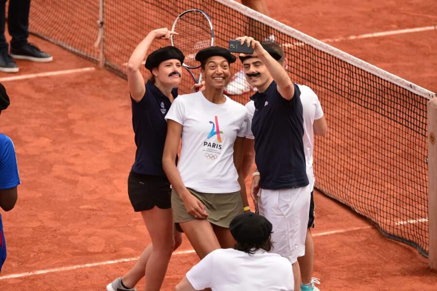 Selfie frenchie pour quelques athlètes membres de la délégation française pour les JO de Rio