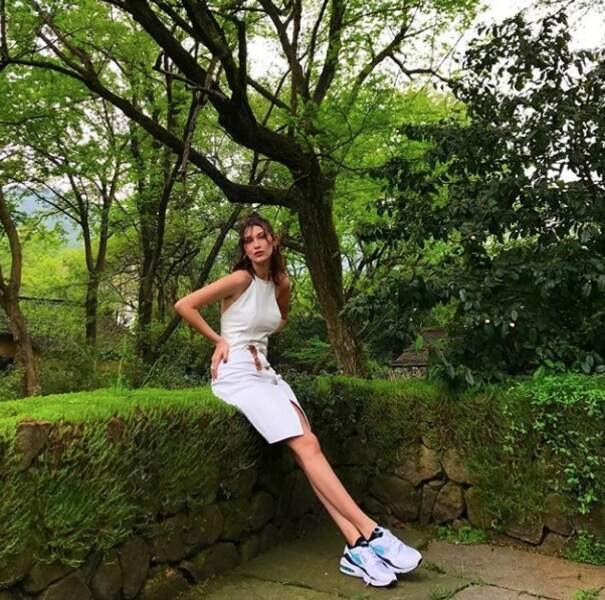 Bella Hadid et sa robe immaculée