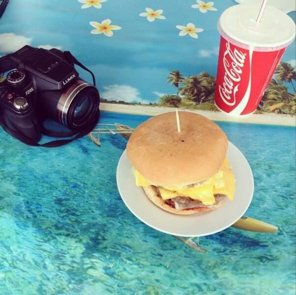Miam, qui s'est offert ce bon hamburger ?!! Marine Lorphelin !