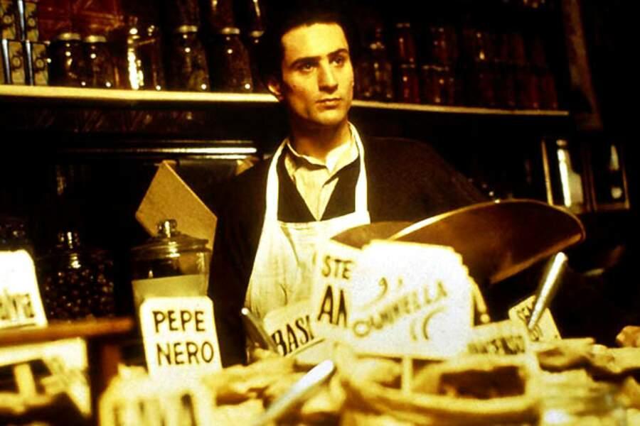 En 1974, Robert de Niro incarne Vito Corleone jeune dans Le Parrain 2