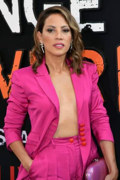 Tout comme Elizabeth Rodriguez, toute de rose vêtue