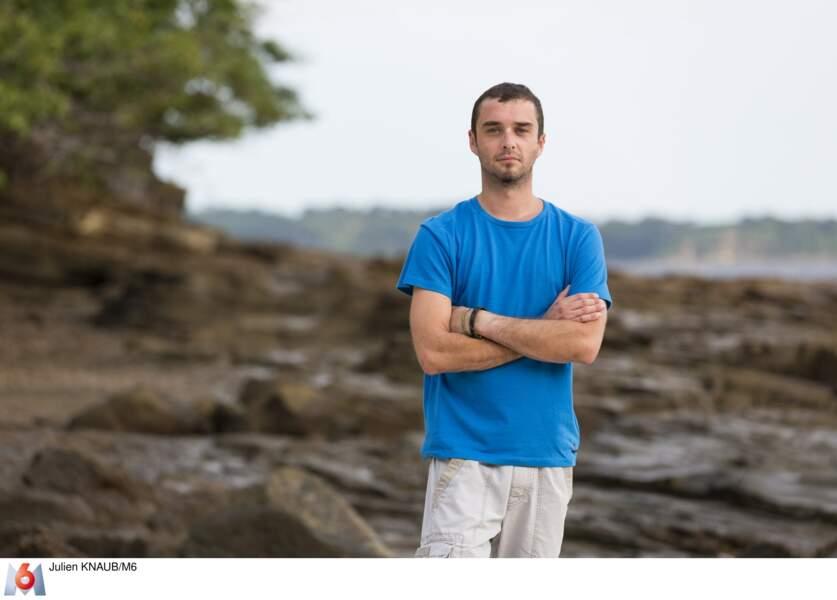 Thibaud, 29 ans, est un aventurier qui porte une prothèse