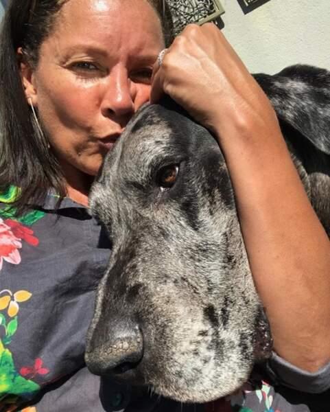 Et Vanessa Williams a publié ce selfie en hommage à Grayson, son chien décédé d'un cancer. RIP Grayson.