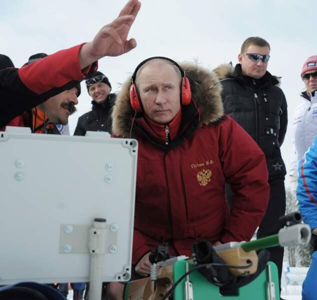 Vladimir fait du biathlon.
