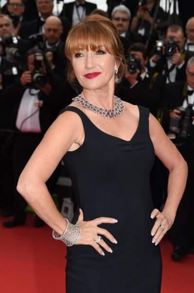 Jane Seymour à la montée des marches pour la projection de Mad Max : Fury Road