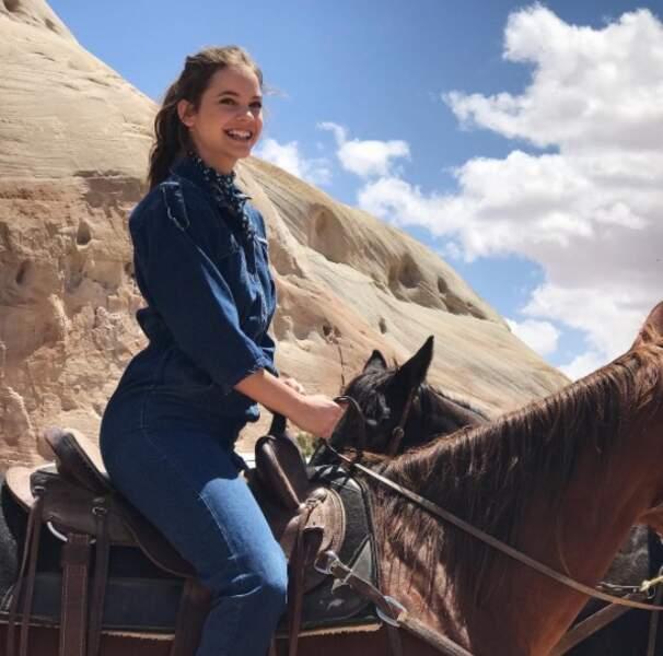 Barbara Palvin était trop contente de faire du poney.