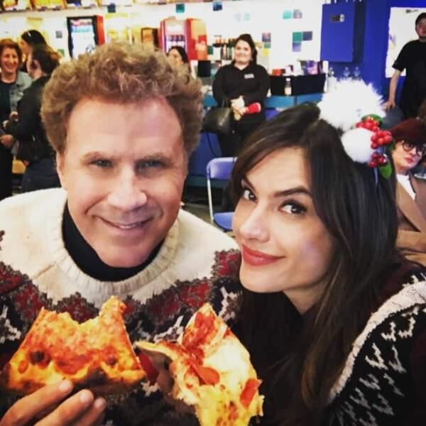 Une pizza en duo pour Will Ferrell et Alessandra Ambrosio.