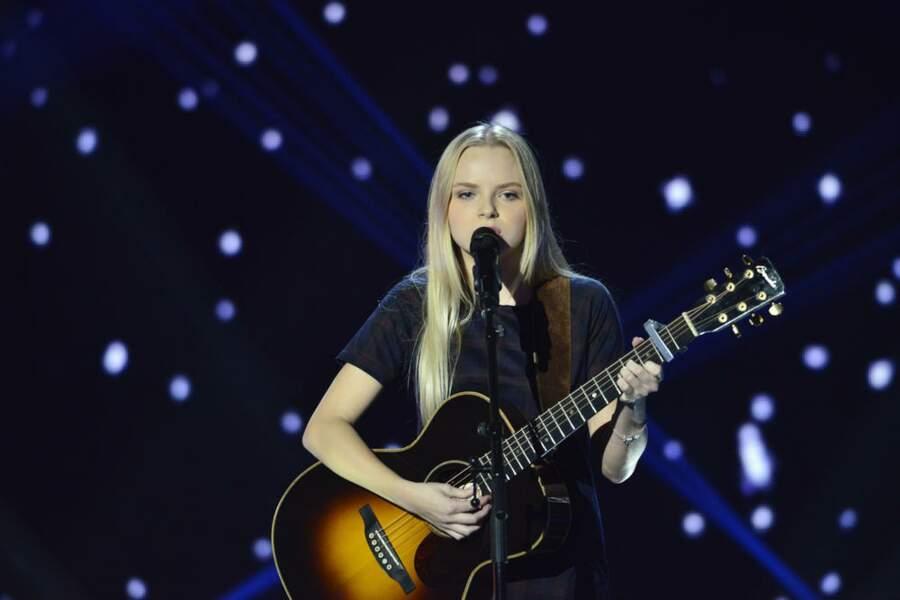 Johanna Serrano, 17 ans, talent de l'équipe de Jenifer