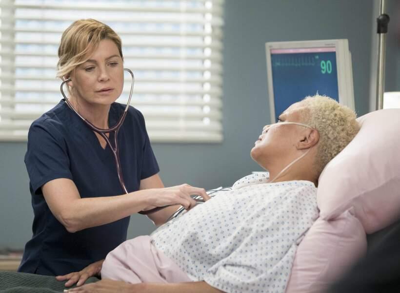 Peu importe, Meredith continue de faire son travail sérieusement et avec passion