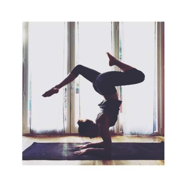 Clio Pajczer, pro du yoga.
