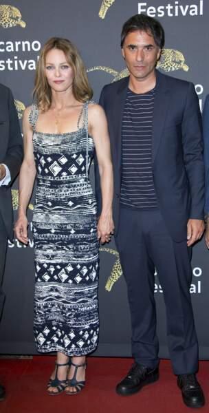 Vanessa Paradis et Samuel Benchetrit sont encore un peu crispés à l'idée de poser en couple