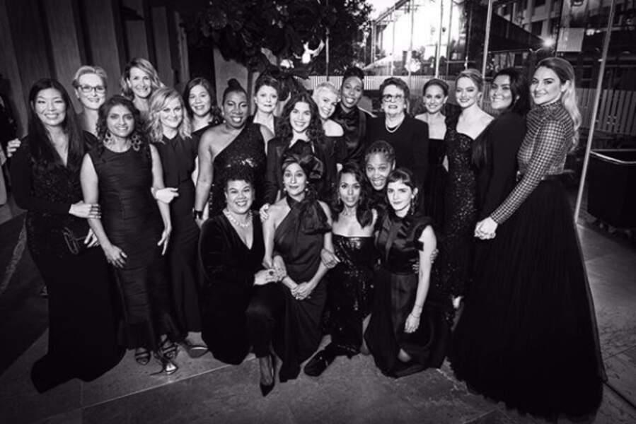 Toutes vêtues de noir, les comédiennes ont posé ensemble, solidaires, pour dénoncer le harcèlement sexuel