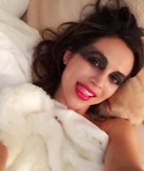 Bon Halloween 2016 à tous ! Et n'oubliez pas de vous démaquiller avant de dormir... N'est-ce pas Elisa Dushku ?