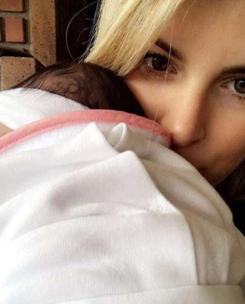 Quelques photos de famille : Emilie Fiorelli et sa petite Louna.