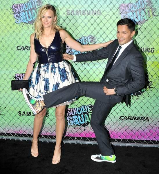 Jay Hernandez et Daniella Deutscher. L'acteur américain est Suicide Squad jusque sur les chaussures