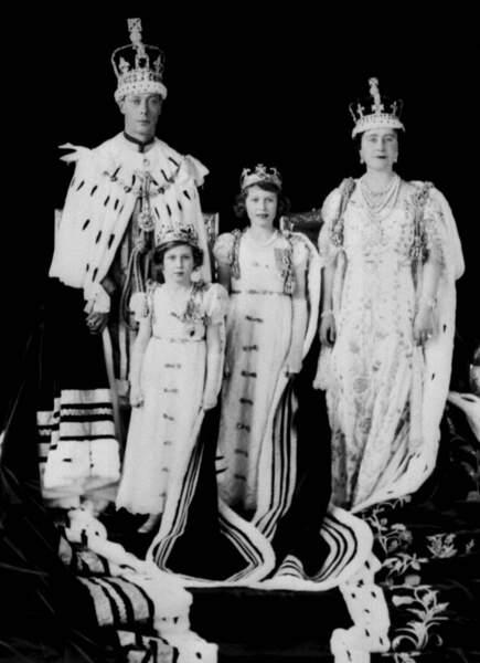1936, son père devenu roi, Elisabeth est désormais princesse héritière du royaume