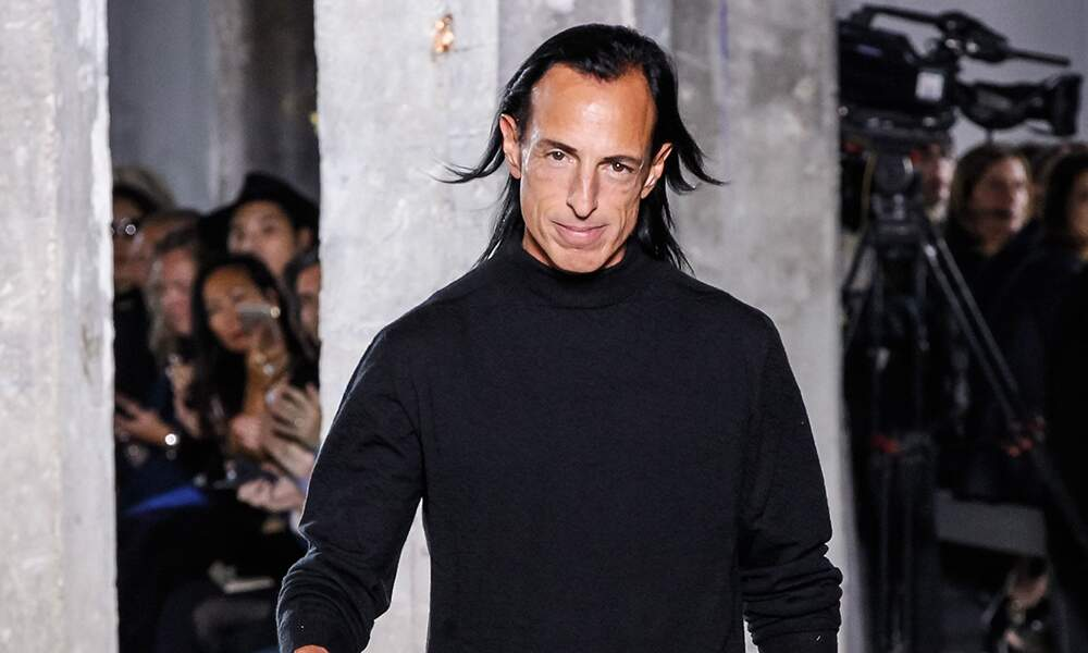"""Voici Rick Owens, styliste et créateur américain spécialiste de """"l'anti-fashion""""."""