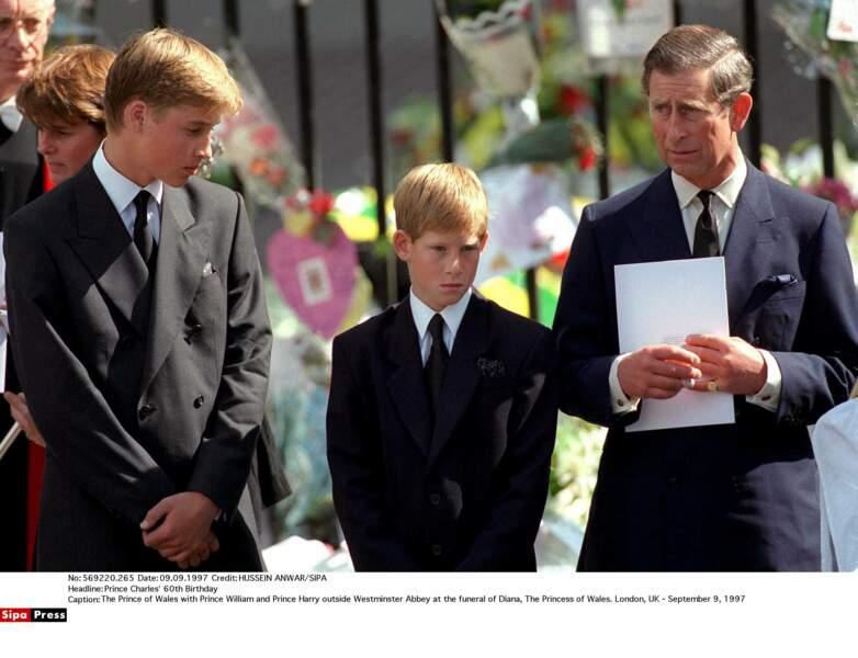 Charles va dès lors s'employer à chérir et entourer ses deux fils