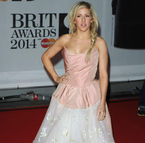 Ellie Goulding, avec sa robe pièce montée, a décroché l'award de l'artiste britannique féminine !