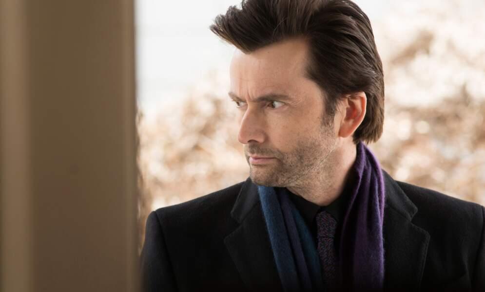 ... de Kilgrave ! Le grand méchant de l'histoire, brillamment interprété par David Tennant (Doctor Who)