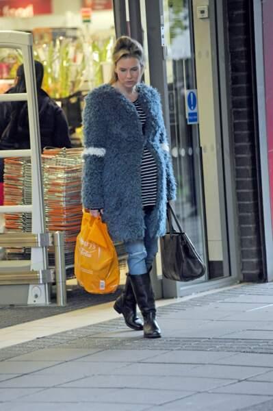 Le 7 octobre, le tournage se déroulait dans le quartier londonien de Woolwich, au supermarché Sainsbury