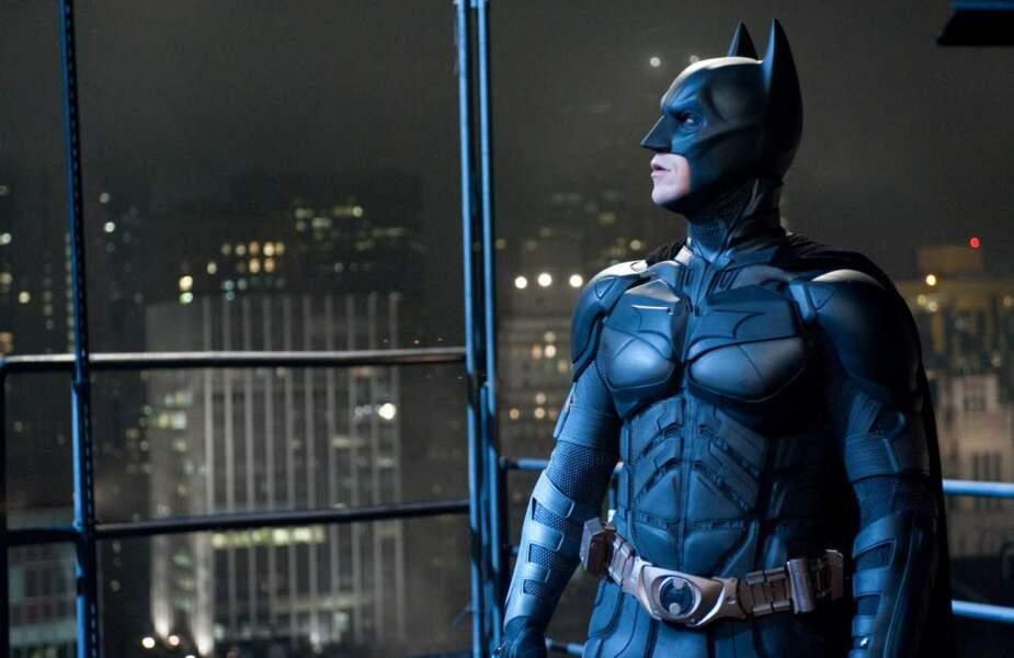 Avec Christopher Nolan, Batman s'équipe de tout un tas de gadgets et devient plus sombre que jamais. On adore !