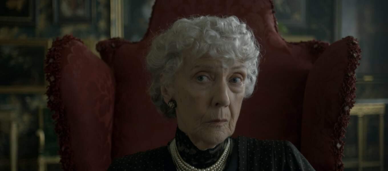 Elle est incarnée par l'actrice Eileen Atkins