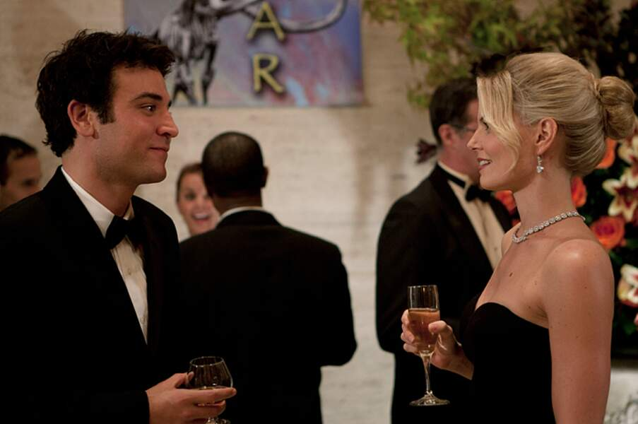 Zoey Pierson (Jennifer Morrison) est l'ex-femme du capitaine très bizarre George Van Smoot et donc aussi de Ted.