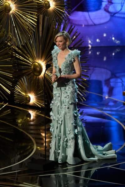 La robe de Cate Blanchett a beaucoup fait jaser, sublime ou hideuse ?
