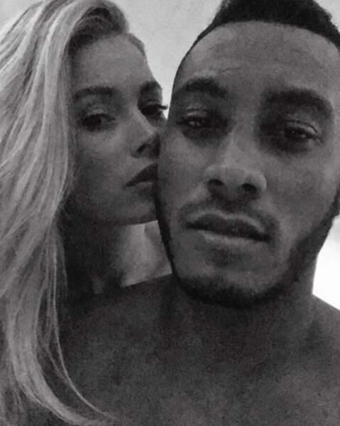 Et c'est nous ou ce selfie de Doutzen Kroes et son mari est TRÈS sexy ? Graou.
