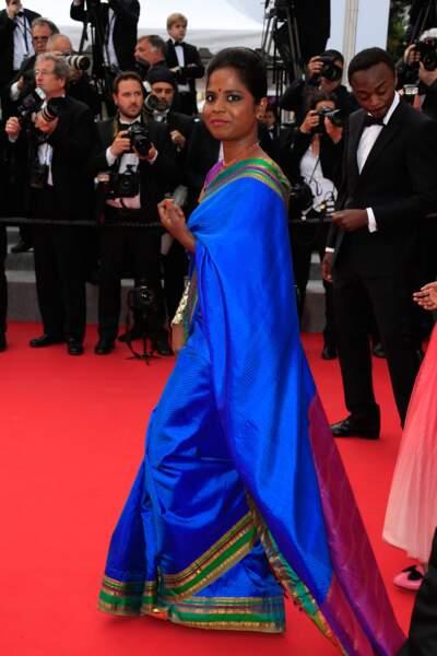 """Kalieaswari Srinivasan lors de la montée des marches pour le film """"Dheepan"""" au Festival de Cannes"""