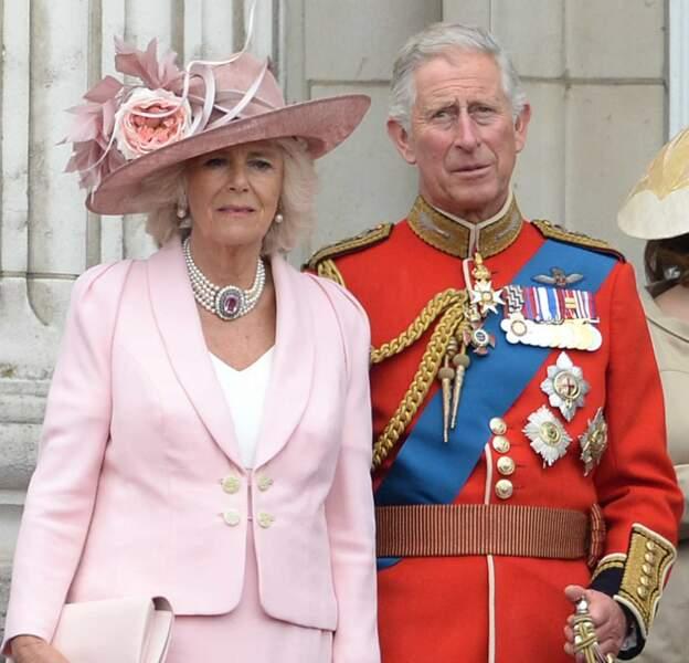 """Camilla, duchesse de Cornwall et le prince Charles lors du célèbre """"Trooping the Colour"""", le 14 juin 2014"""