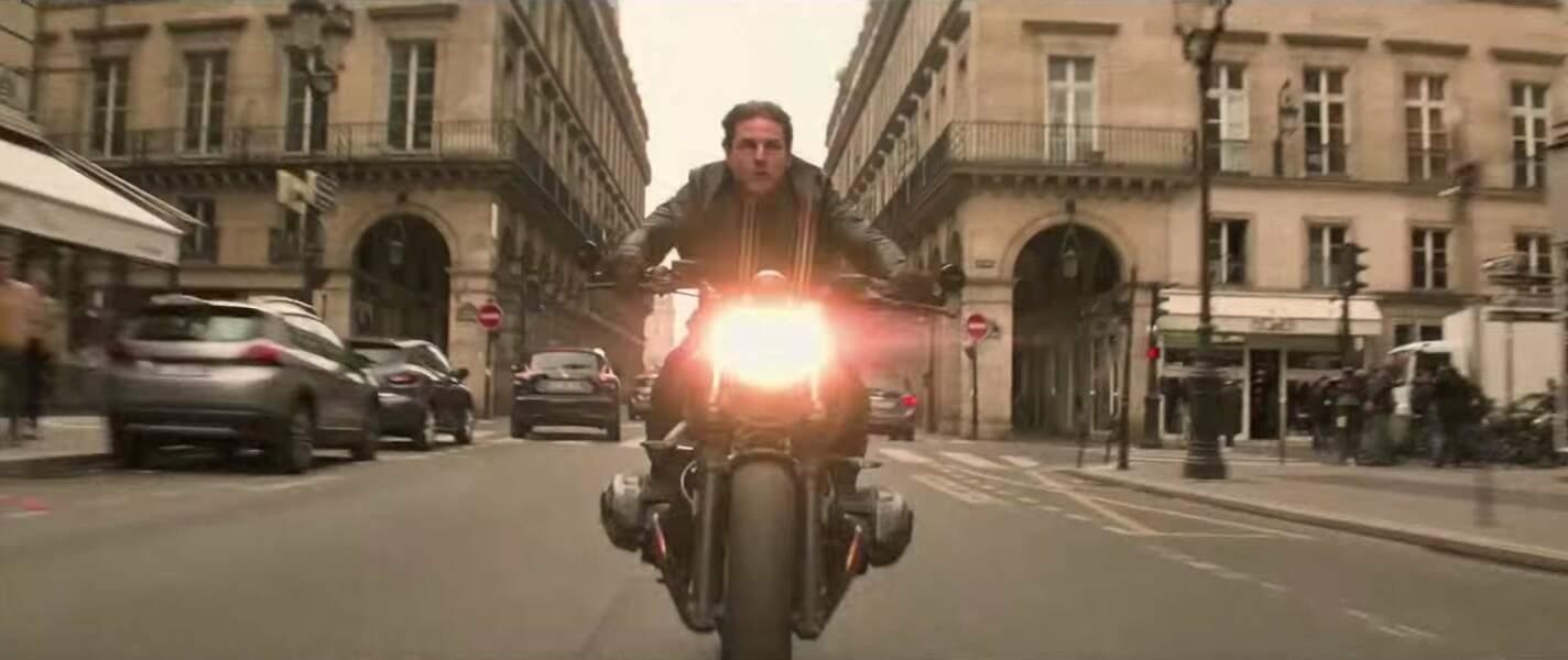 """Le sixème opus de la saga """"Mission: impossible"""" arrive plein phare dans les rues de Paris."""