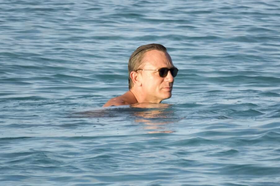 Daniel Craig, aussi à l'aise qu'un poisson dans l'eau.