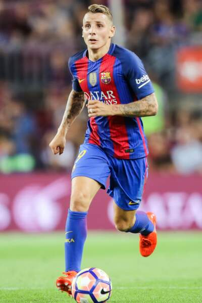 Lucas Digne est venu également renouveler la défense catalane cet été