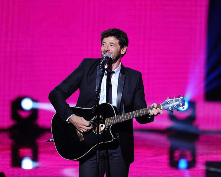 Patrick Bruel voit la vie en rose : il a reçu un NRJ Music Award d'honneur.