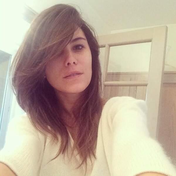 Karine Ferri a aussi tenté le selfie au naturel