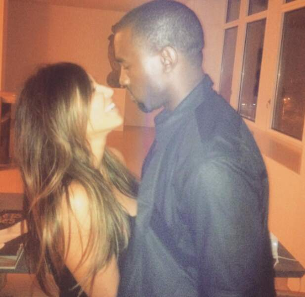 Le saviez-vous : Kim Kardashian et Kanye West fêtent leur 2e anniversaire de mariage.