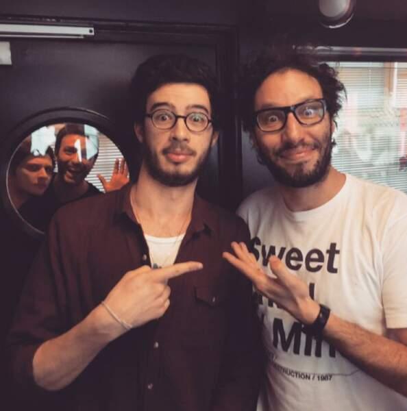 Oh, des jumeaux ! Ah non, c'est Alexandre avec Manu Levy, de NRJ