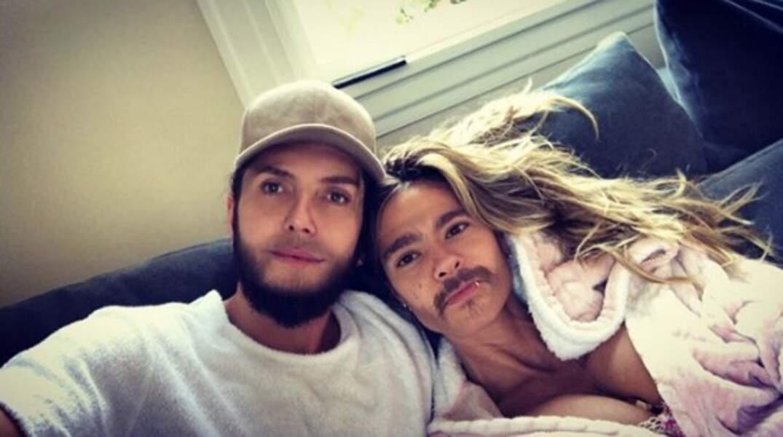 """En voyant ce selfie de Heidi Klum et Tom Kaulitz, on comprend pourquoi les """"face swaps"""" ne sont plus à la mode."""