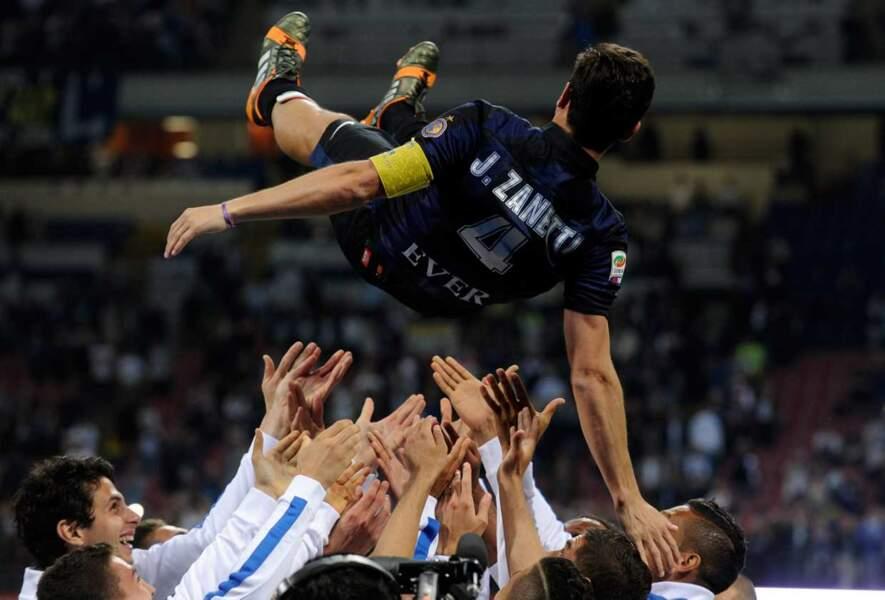 Retour au foot, avec les adieux de Javier Zanetti à l'Inter de Milan. Sniiiif.