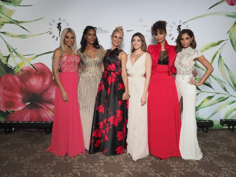 Alicia Aylies, Corinne Coman, Elodie Gossuin, Rachel Legrain-Trapani, Flora Coquerel et Malika Menard tout sourire
