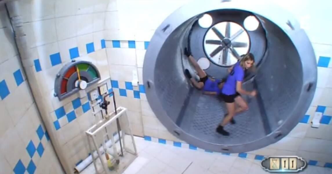 Il n'y a que dans Fort Boyard qu'on voit deux Miss dans une roue de hamster. Mais pourquoi pas, après tout !