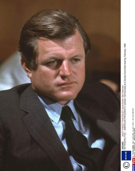 Et voici le vrai Ted Kennedy ! La ressemblance est frappante